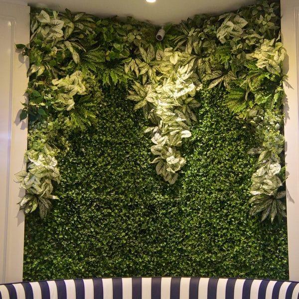 distinctive-instagreen-greenwalls-with-silk-planting-001