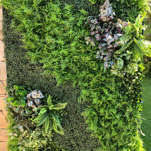 distinctive-instagreen-greenwalls-with-silk-planting-004