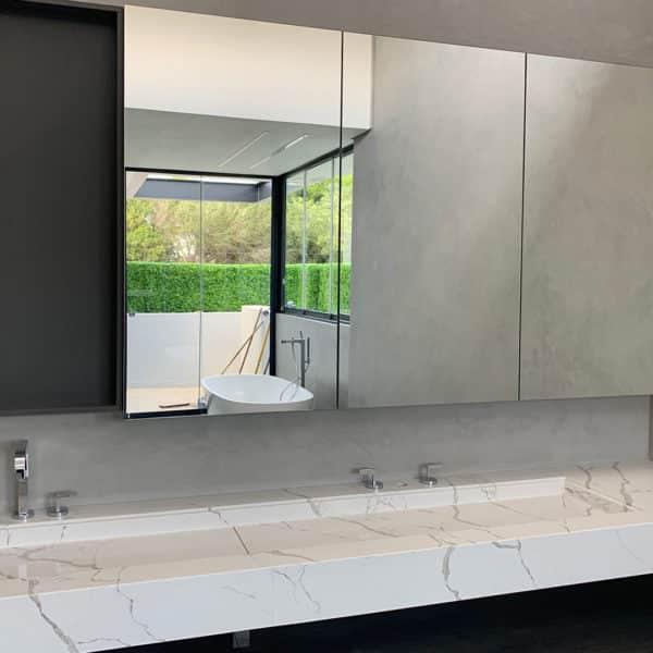 distinctive-vert-gardens-privacy-screening-bathrooms-003