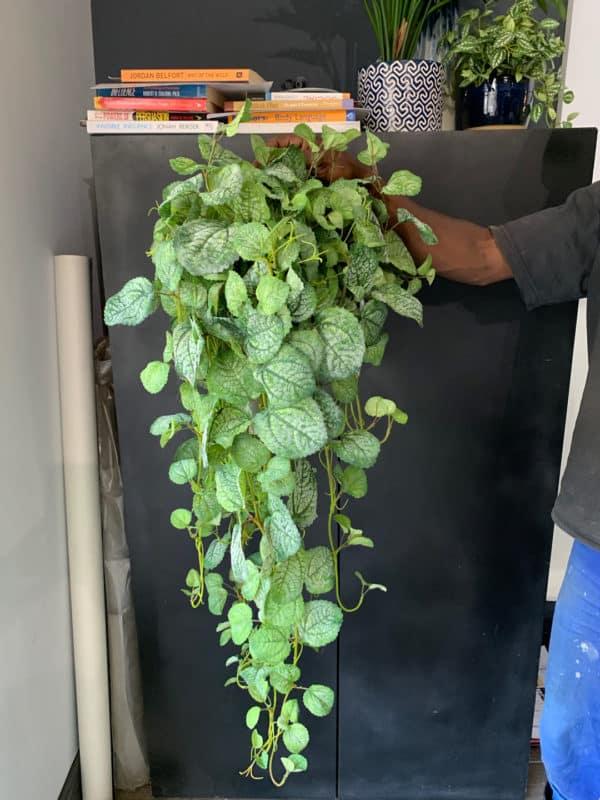 Distinctive-silks-hanging-small-plants-008