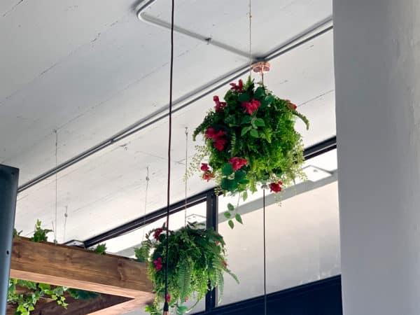 Distinctive-silks-hanging-small-plants-009