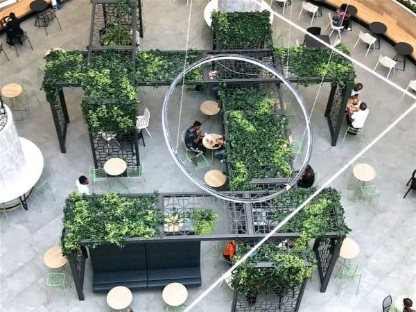 Distinctive-silks-hanging-small-plants-017