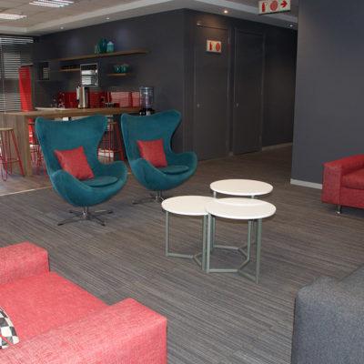 Distinctive-Interiors-Corporate-chill-area